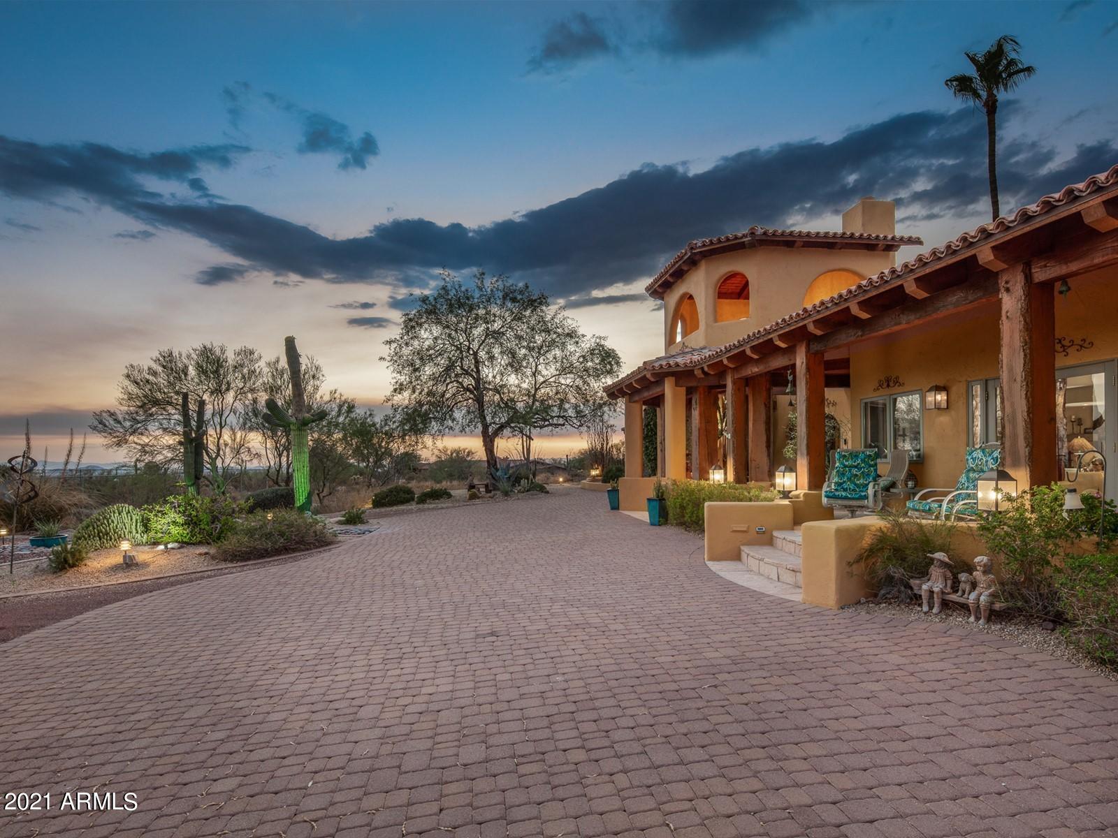 9716 Mariposa Grande Drive