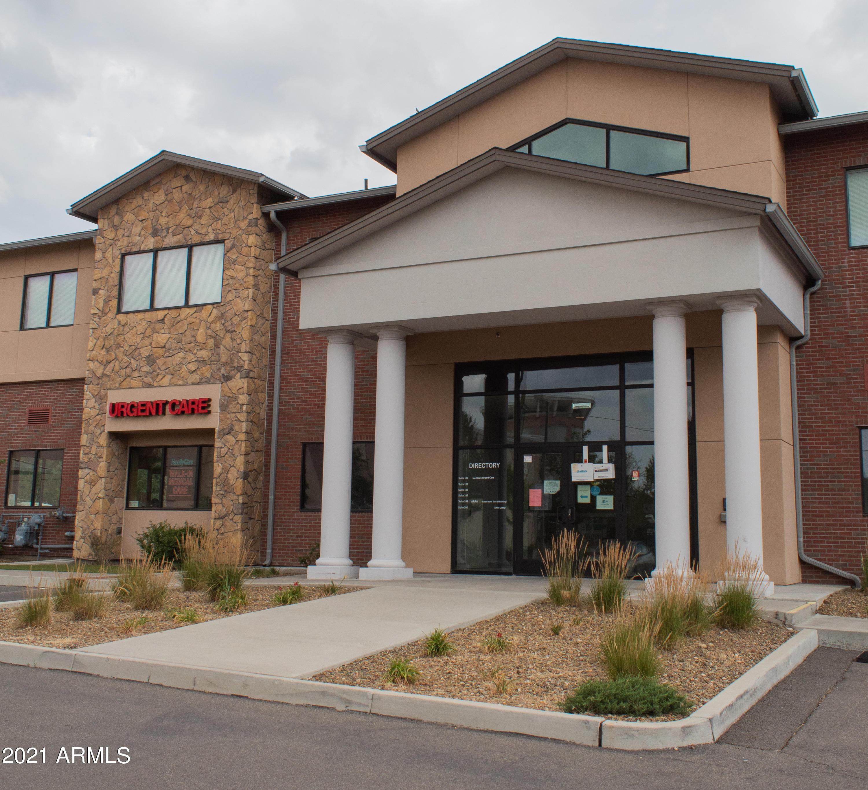 Photo of 399 S MALPAIS Lane, Flagstaff, AZ 86001