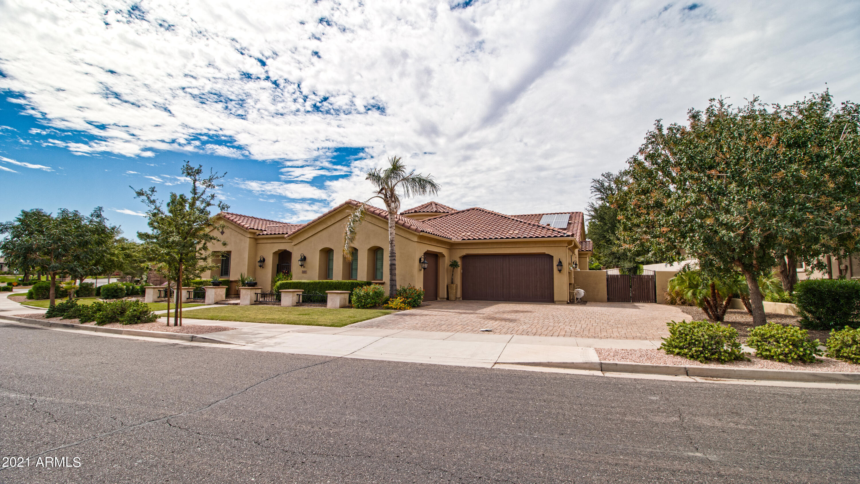 MLS 6308916 4250 S PACIFIC Drive, Chandler, AZ 85248 Waterfront Homes