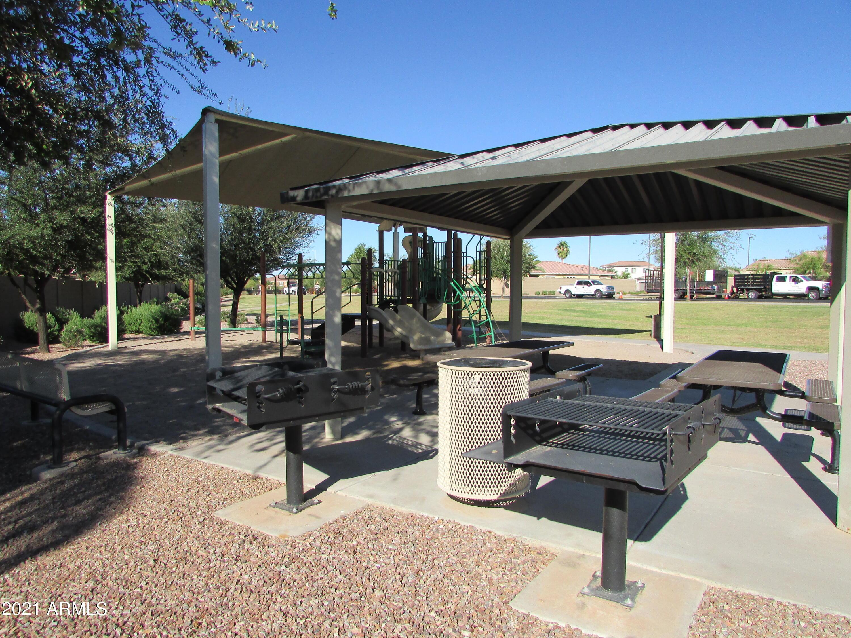MLS 6310329 882 E Riviera Place, Chandler, AZ 85249 Lake Community