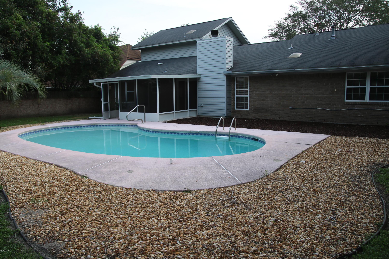 MLS Property 656525 for sale in Lynn Haven