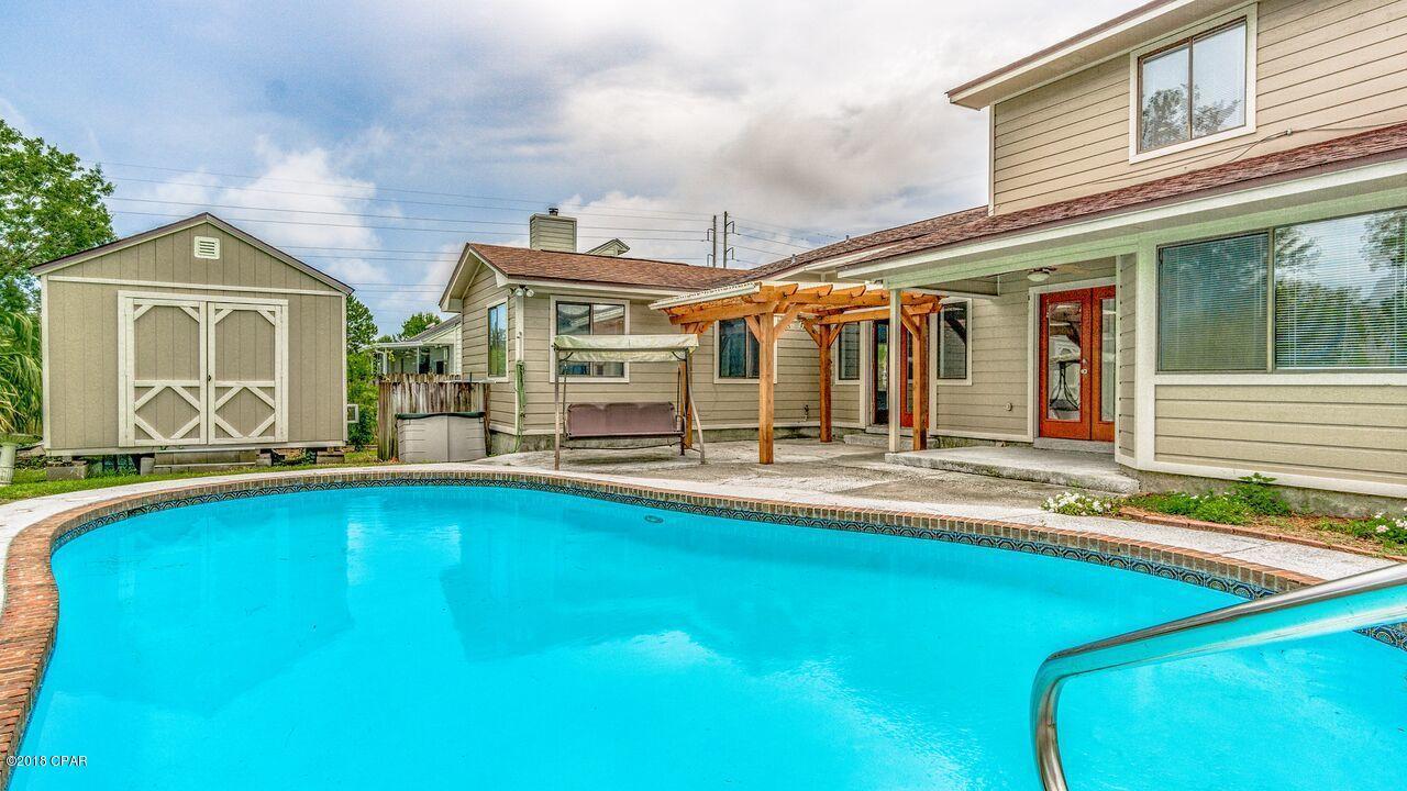 MLS Property 673632 for sale in Lynn Haven