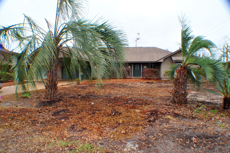MLS Property 677673 for sale in Lynn Haven