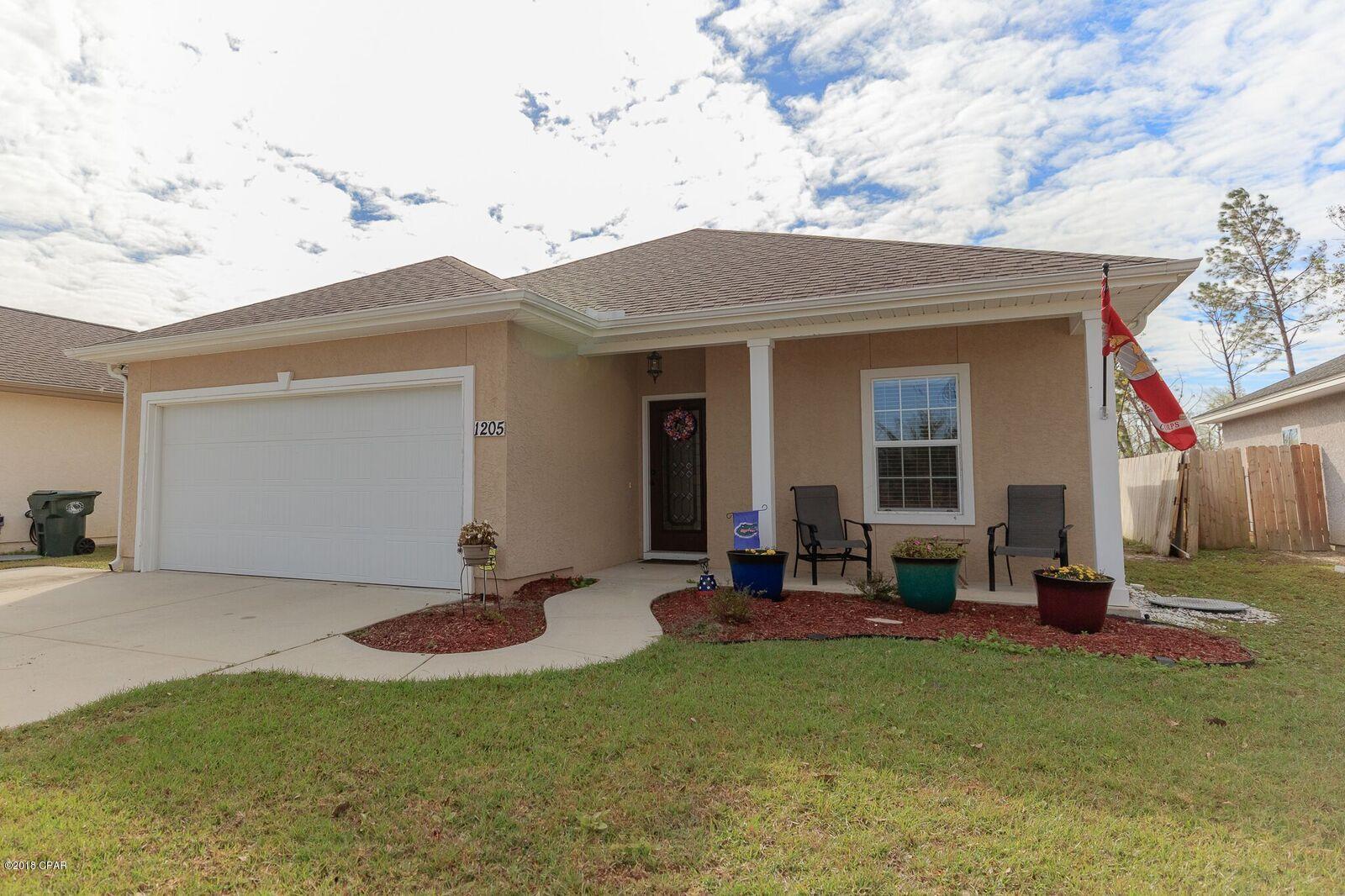 MLS Property 677790 for sale in Lynn Haven