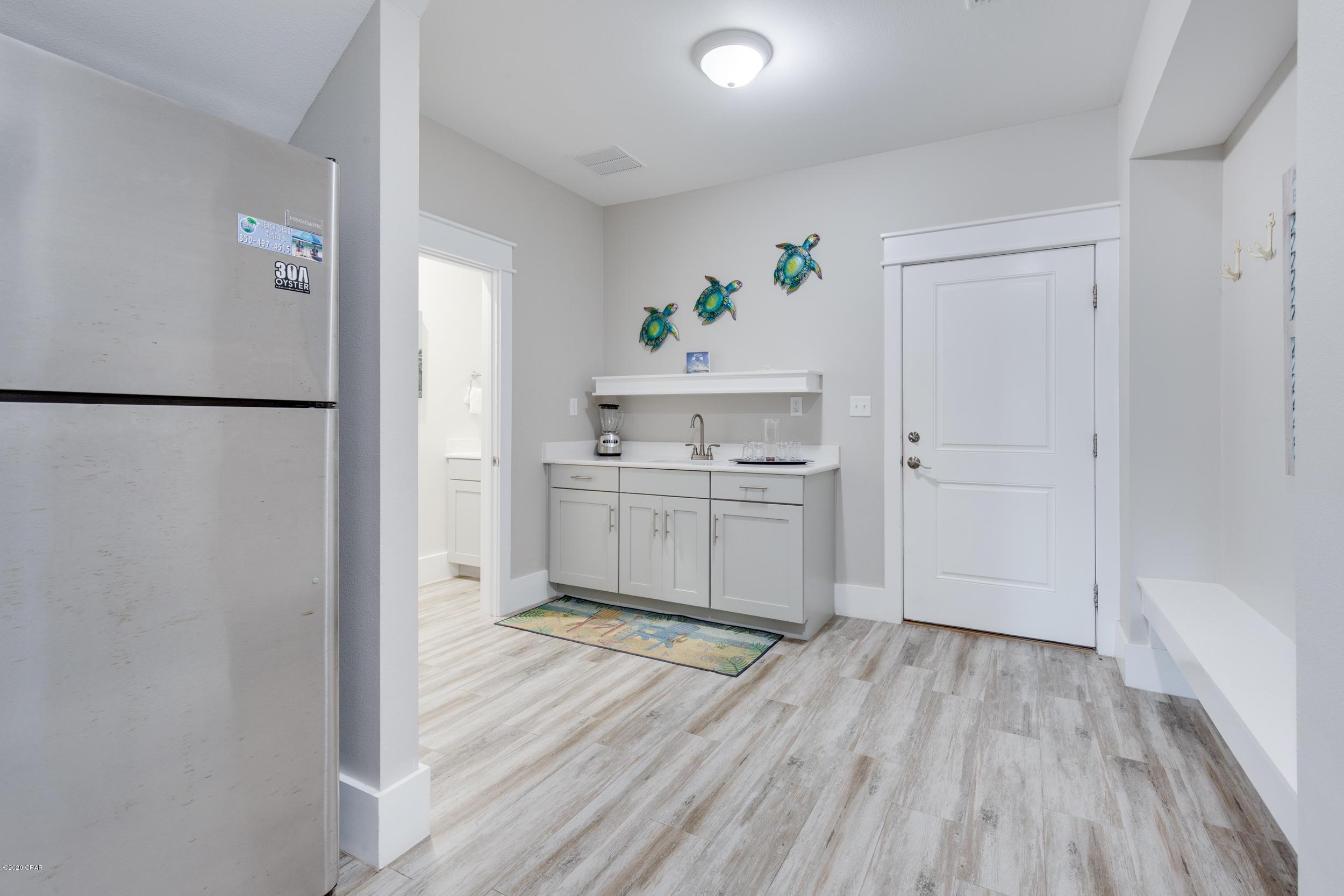 MLS Property 704902