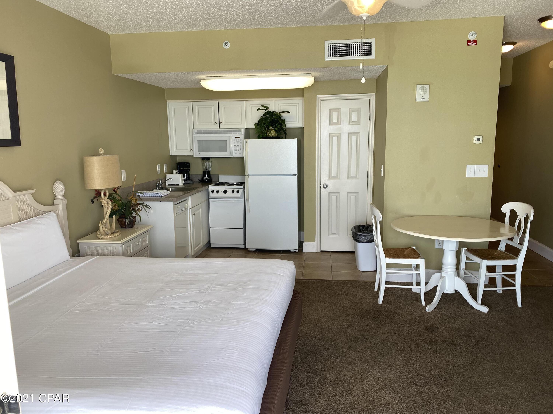 A 0 Bedroom 1 Bedroom Majestic Beach Tower I Condominium
