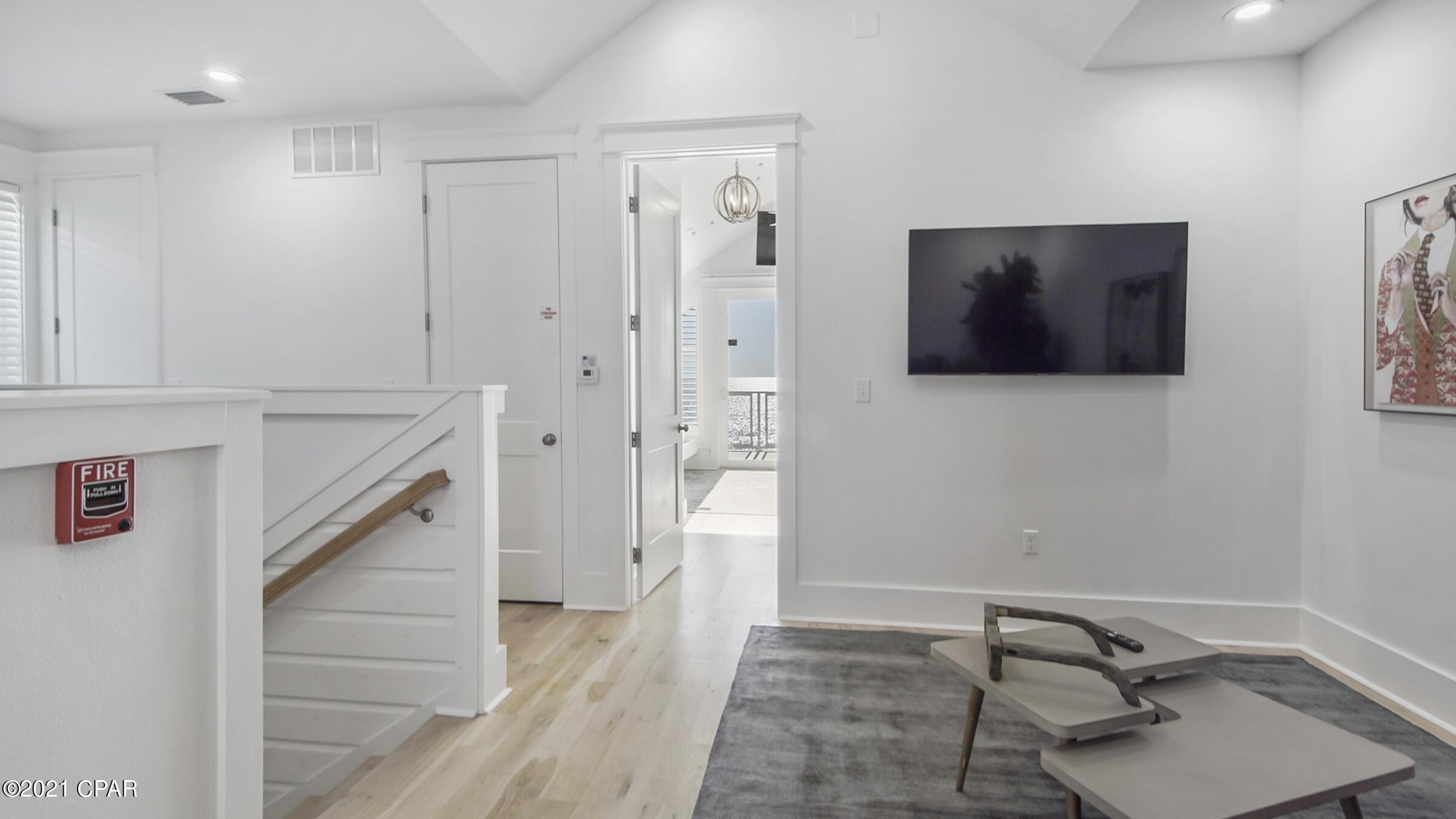 MLS Property 711513