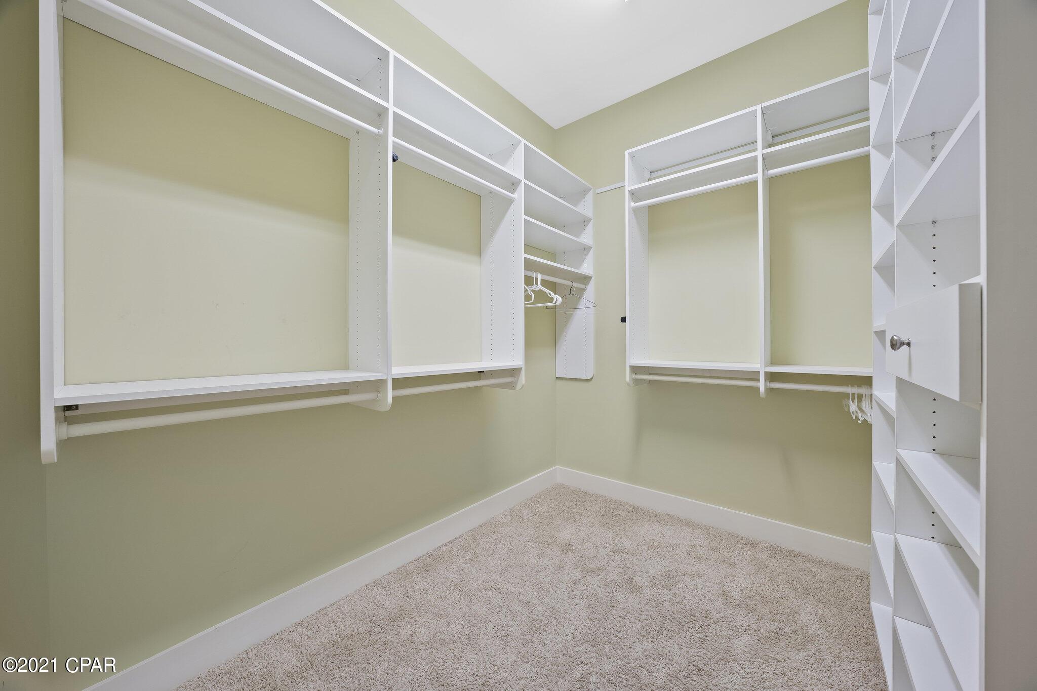 MLS Property 715198
