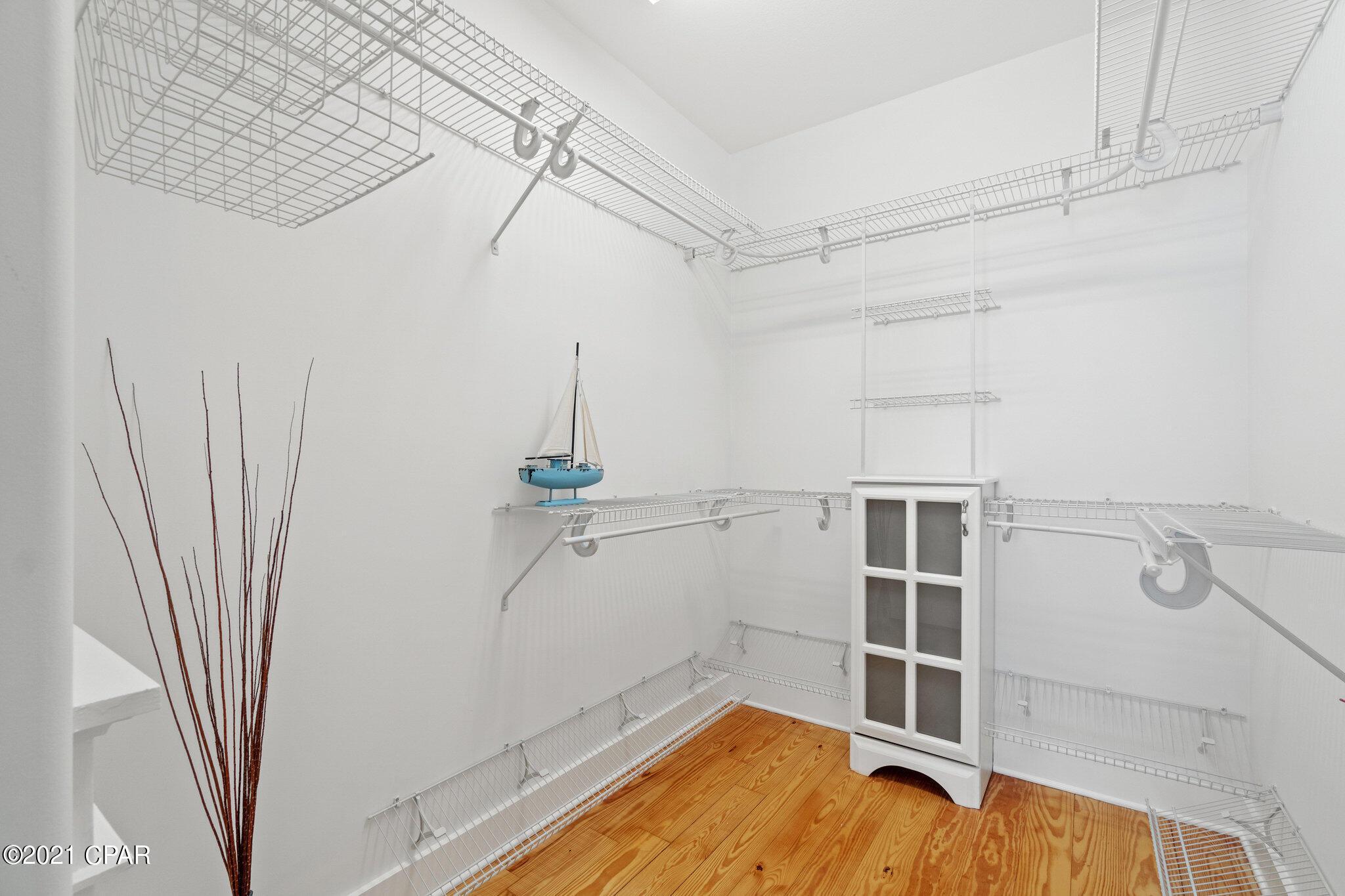 MLS Property 716451