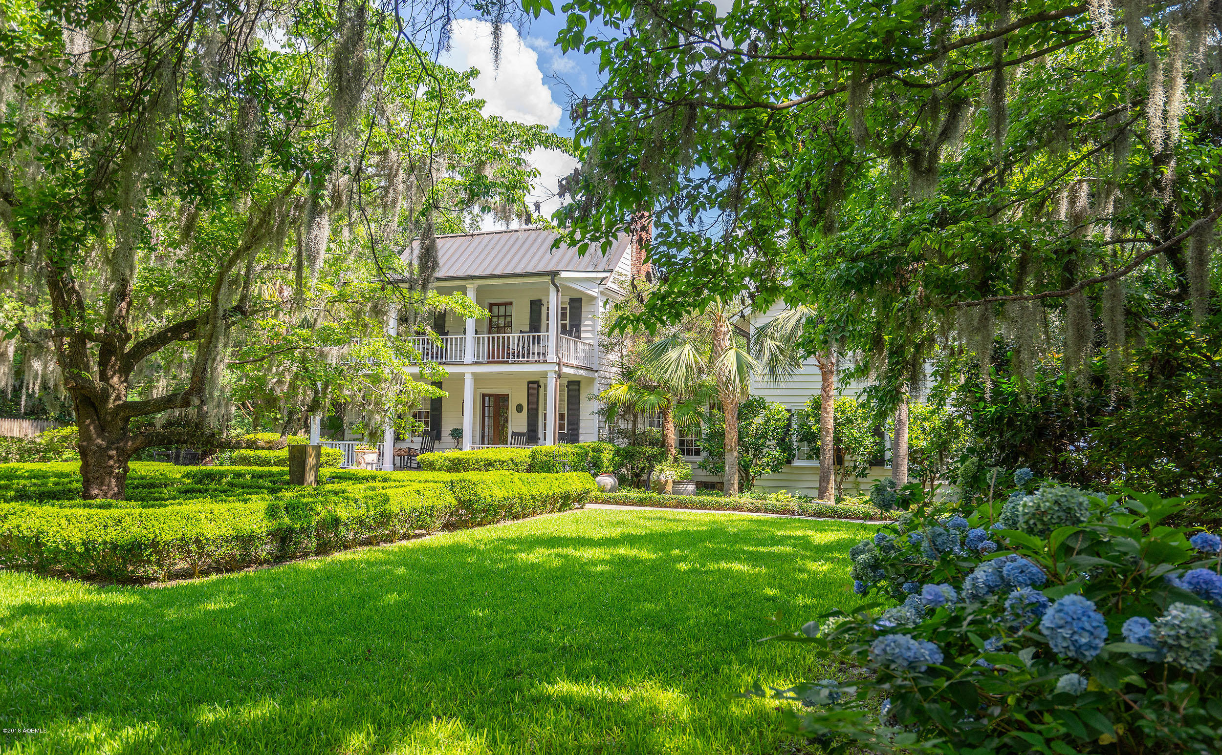Photo of 503 Washington Street, Beaufort, SC 29902