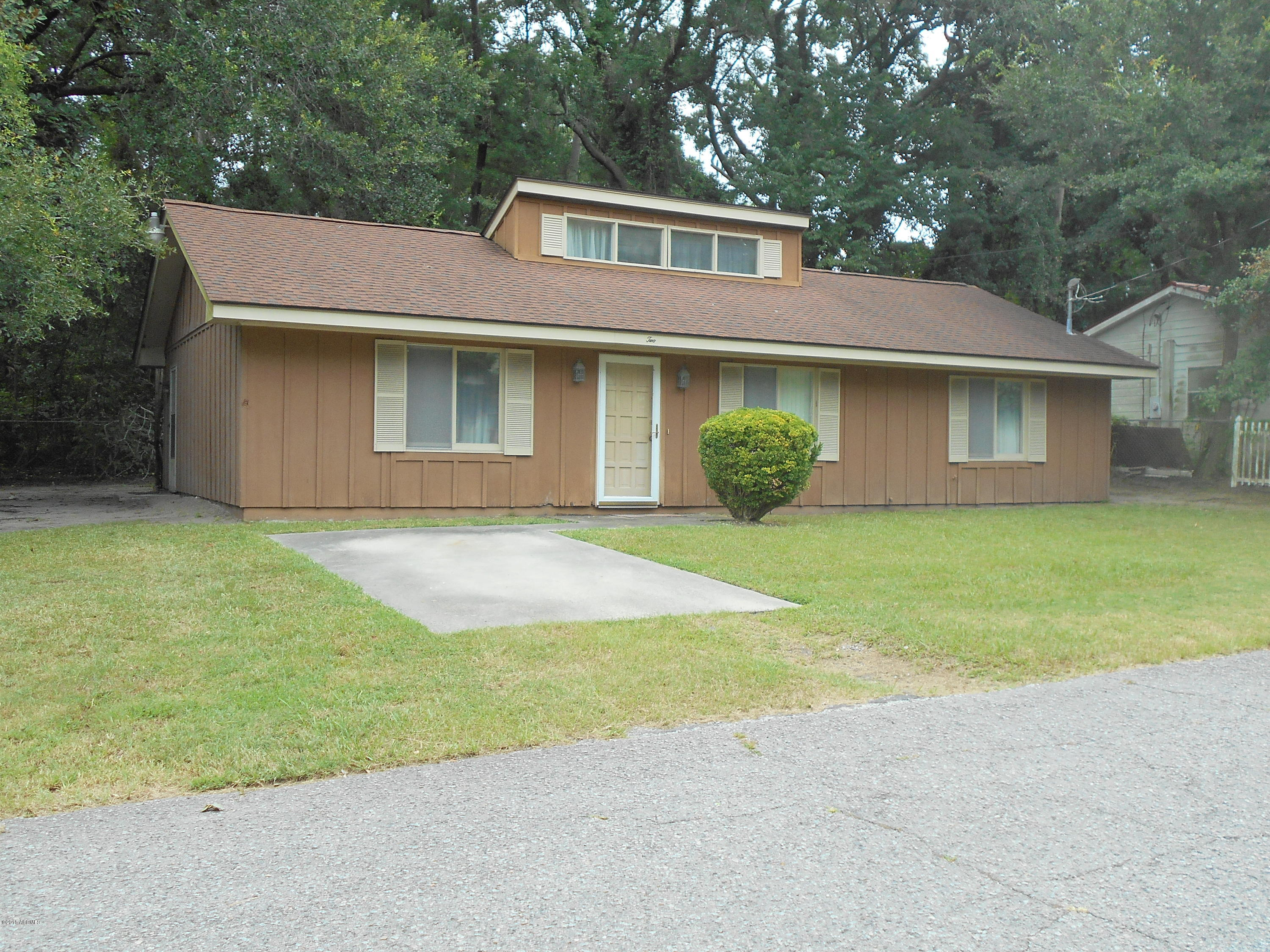 Photo of 2 Twin Lakes Road, Beaufort, SC 29902