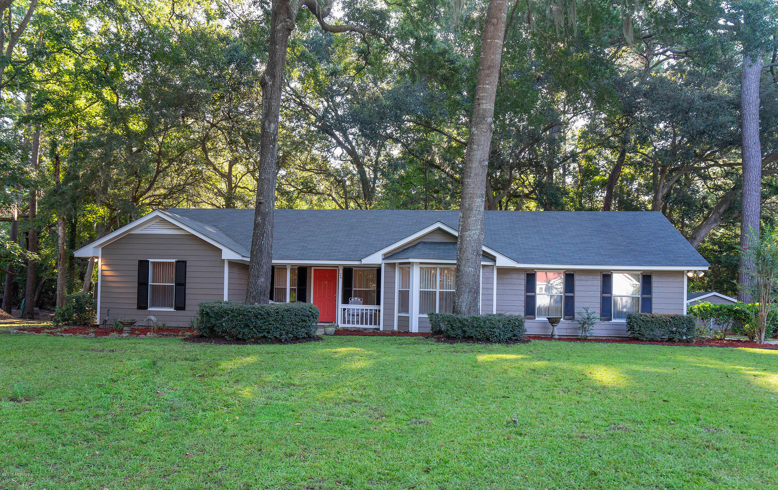 Photo of 24 Walnut Hill Street, Beaufort, SC 29907