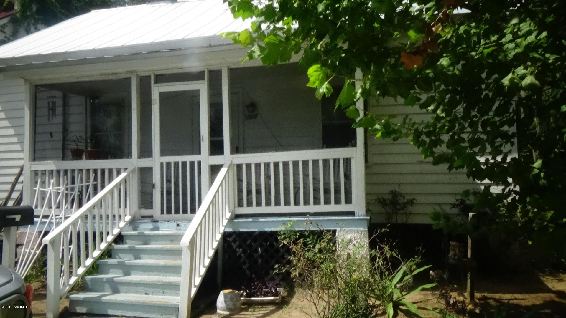Photo of 1303 Washington Street, Beaufort, SC 29902