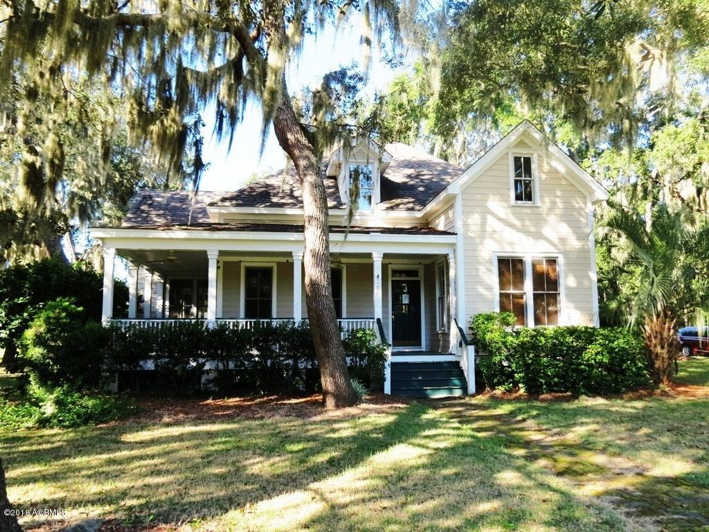 Photo of 107 Coosaw Club Drive, Beaufort, SC 29907