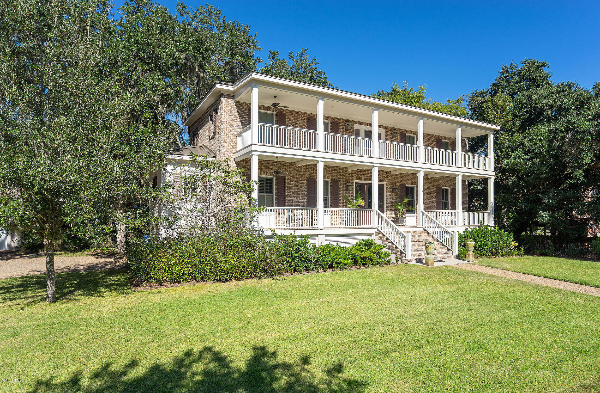 Photo of 313 King Street, Beaufort, SC 29902
