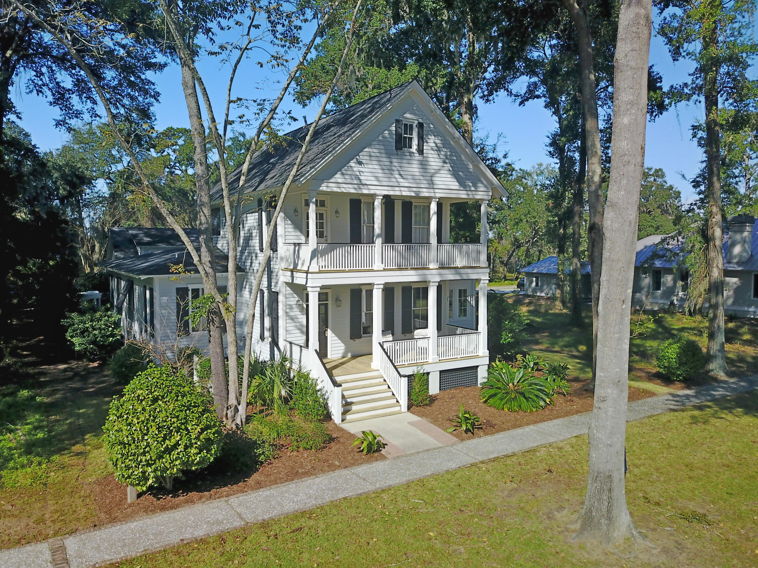 Photo of 35 Wrights Point Circle, Beaufort, SC 29902