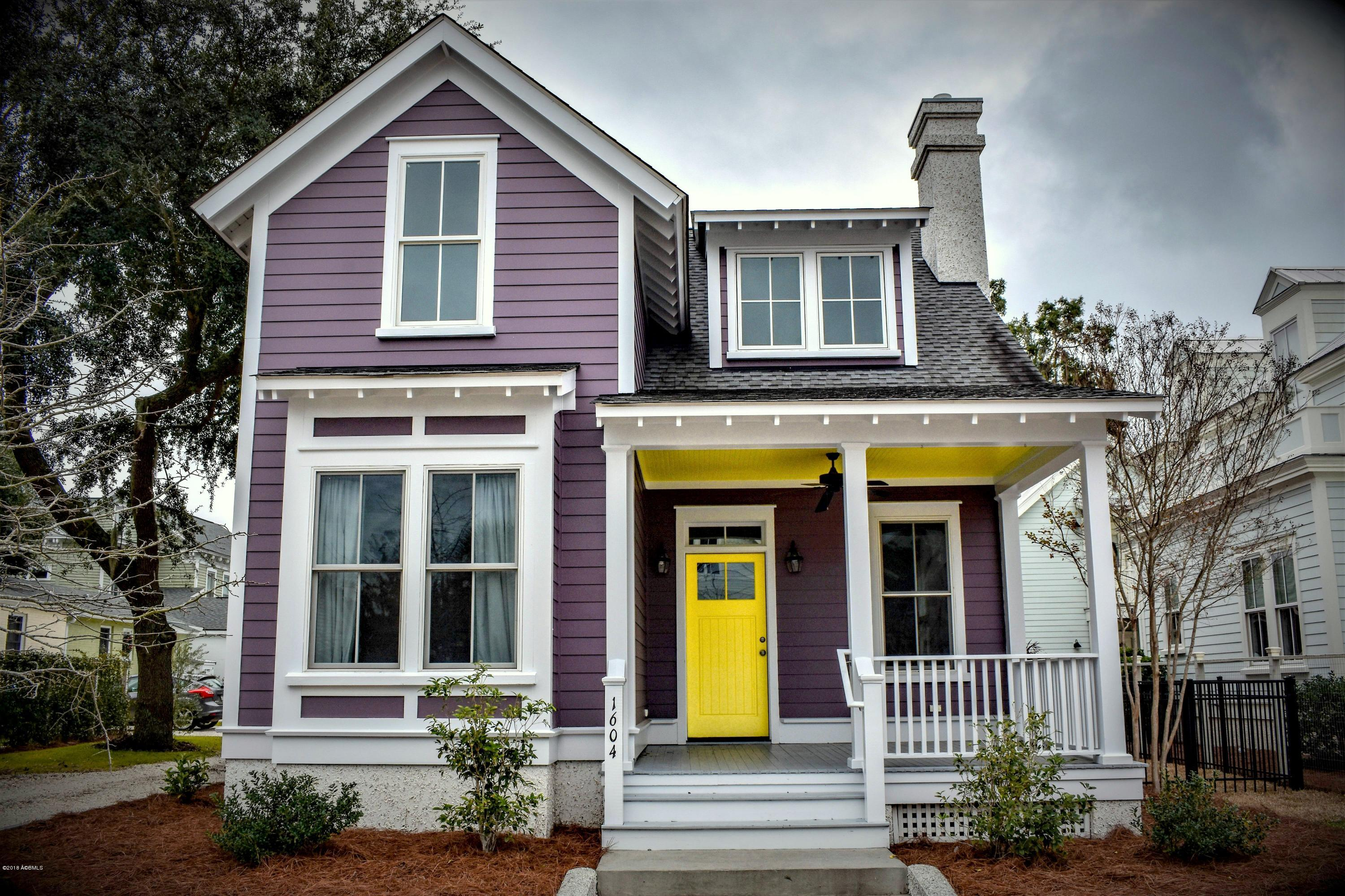 Photo of 1604 Prince Street, Beaufort, SC 29902