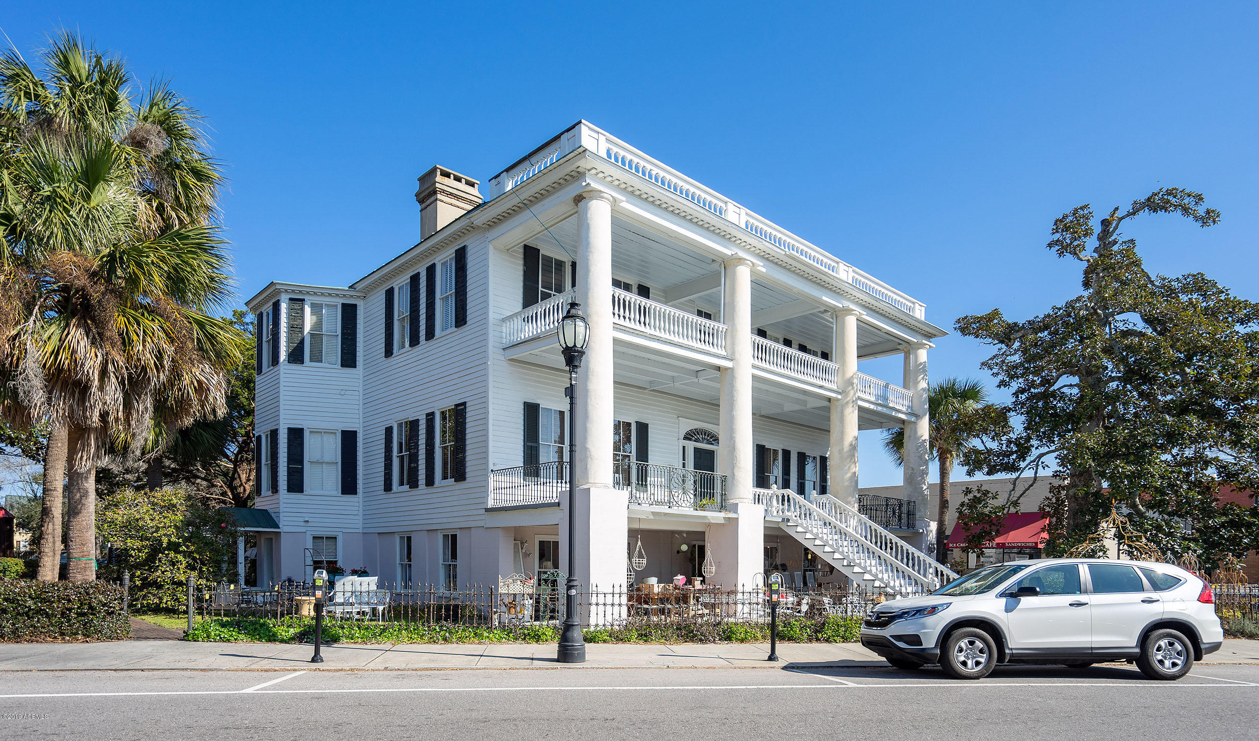 Photo of 1001 Bay Street, Beaufort, SC 29902