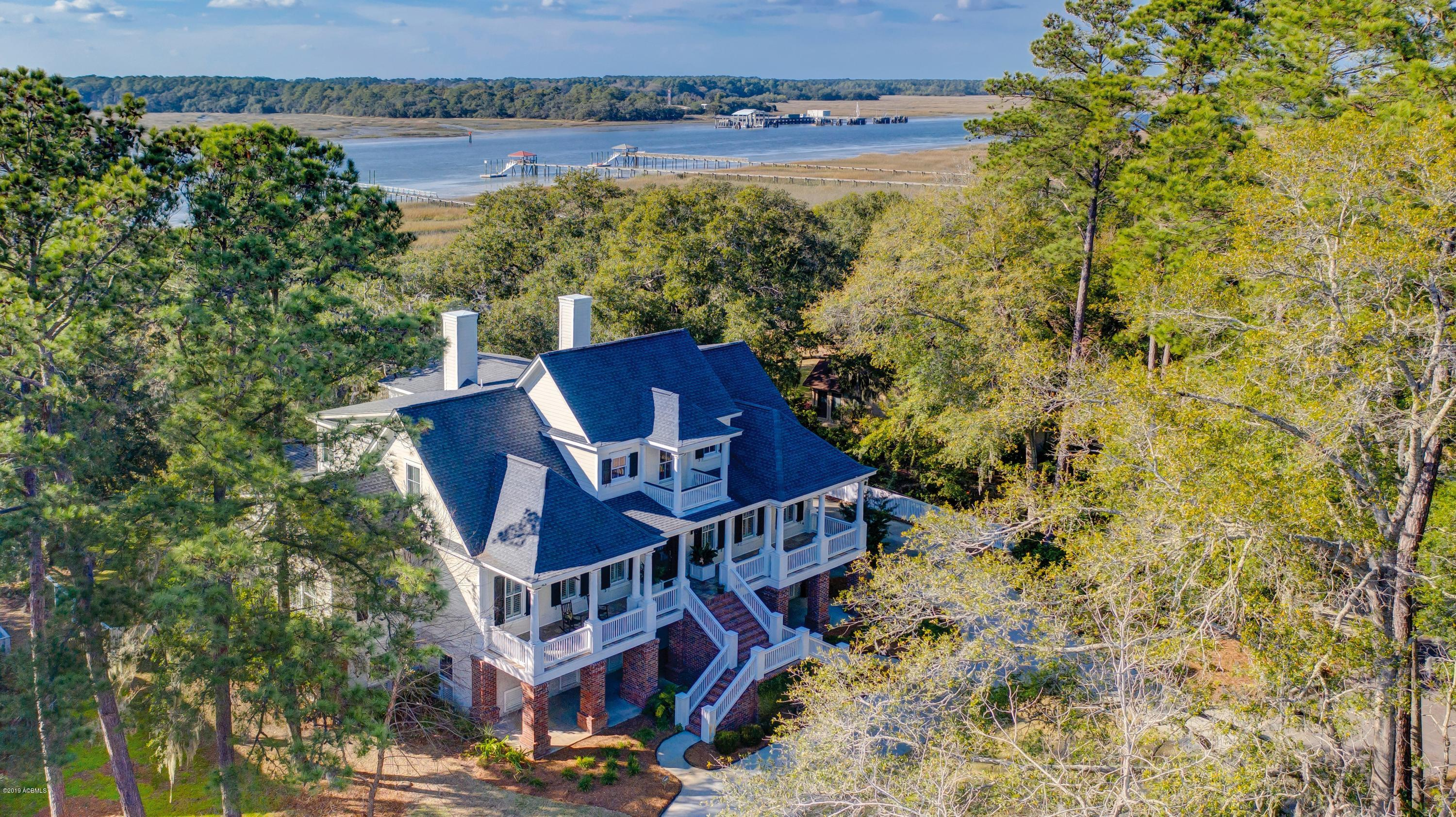 Photo of 7 Country Club Drive, Beaufort, SC 29907