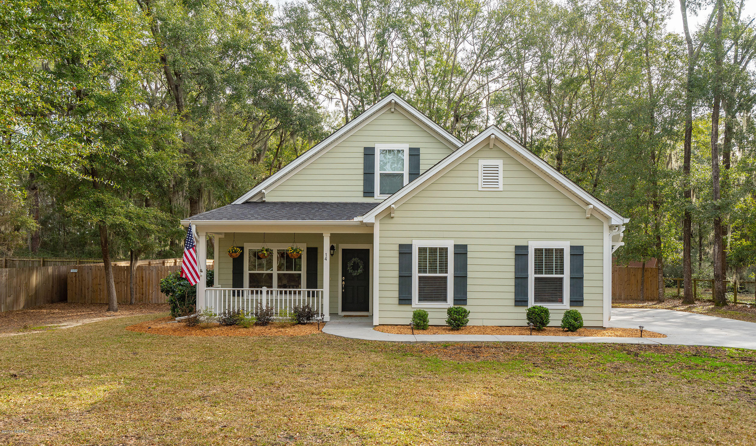 Photo of 14 Chinaback Drive, Beaufort, SC 29907