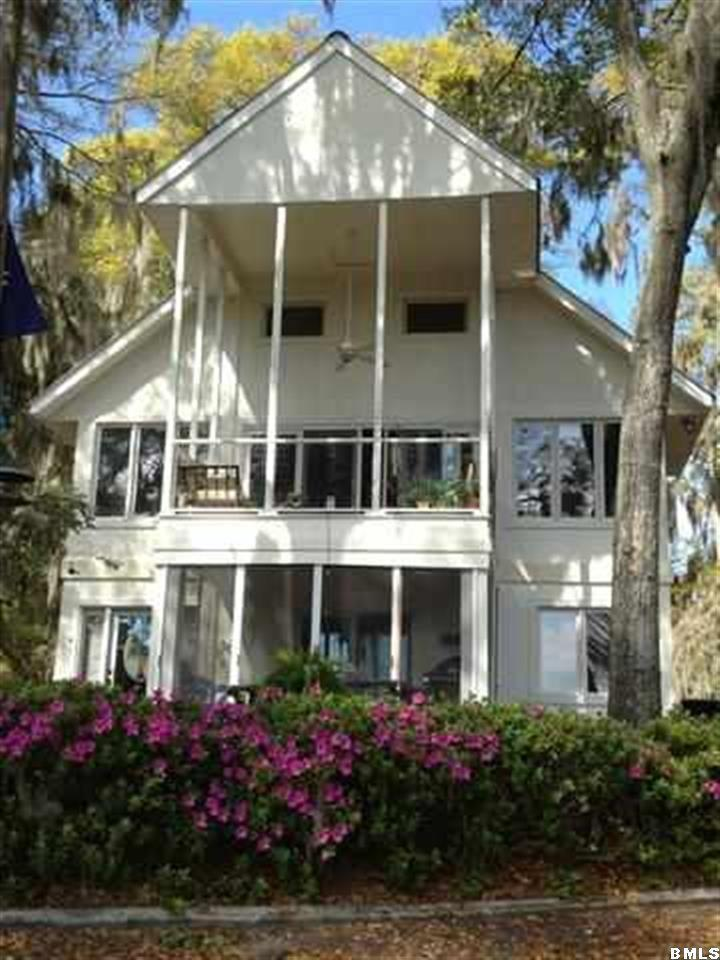Photo of 2427 Pigeon Point Road, Beaufort, SC 29902