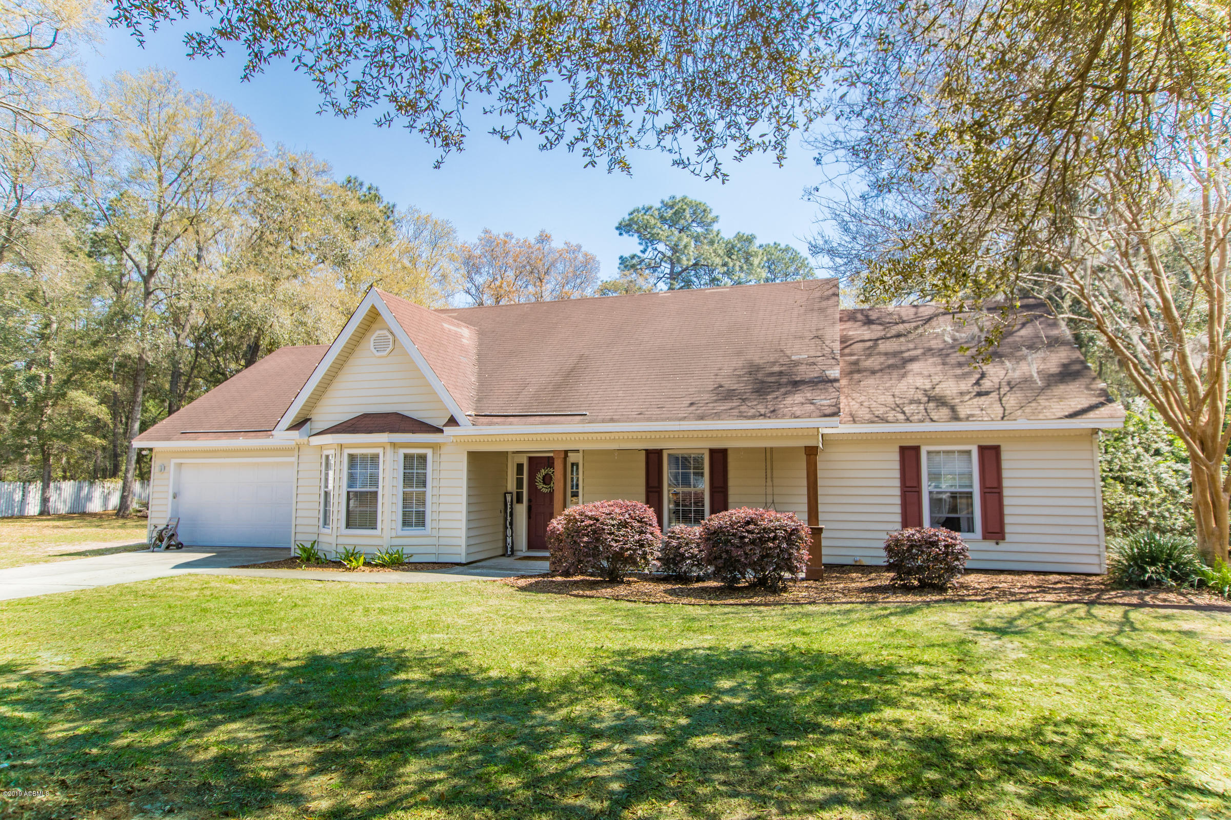 Photo of 17 Christine Drive, Beaufort, SC 29907