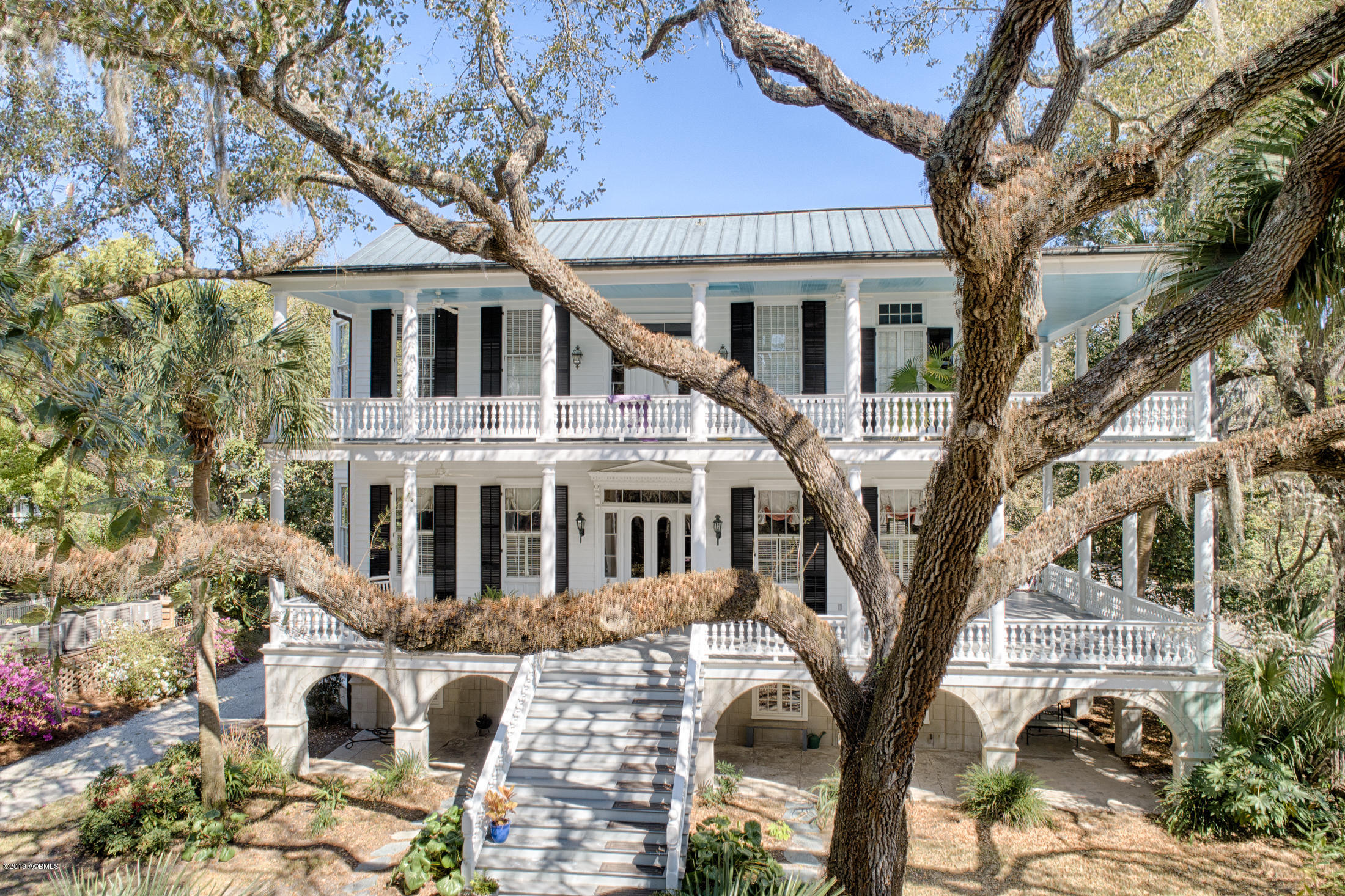 Photo of 303 Federal Street, Beaufort, SC 29902