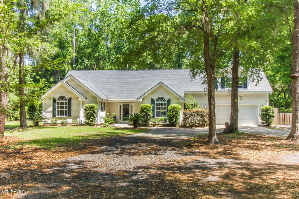 Photo of 60 Francis Marion Circle, Beaufort, SC 29907