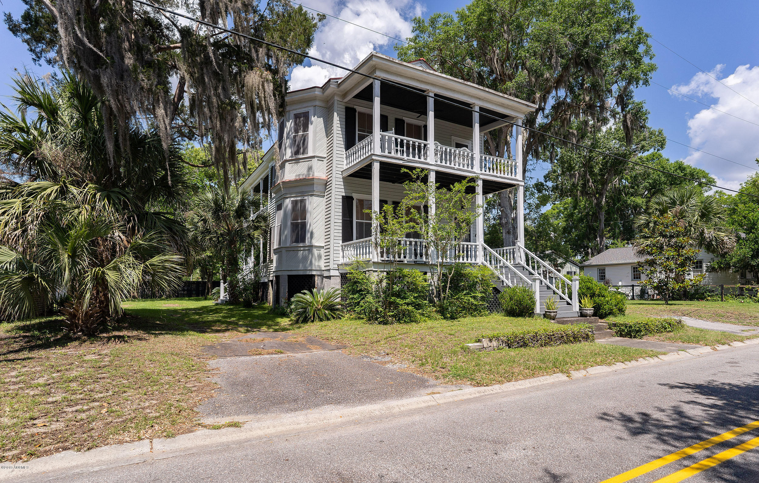 Photo of 908 Scott Street, Beaufort, SC 29902