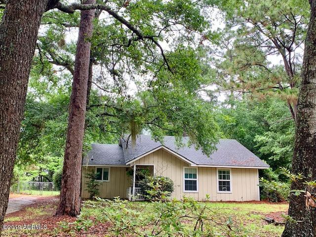 Photo of 32 Springfield Road, Beaufort, SC 29907