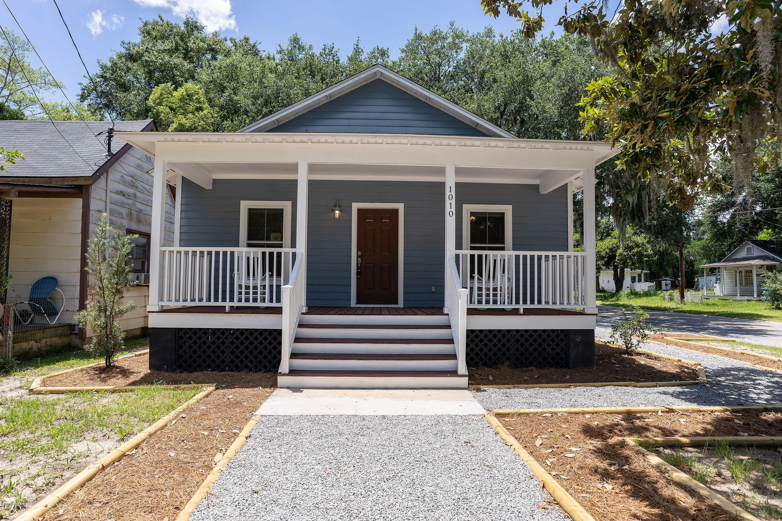 Photo of 1010 Church Street, Beaufort, SC 29902
