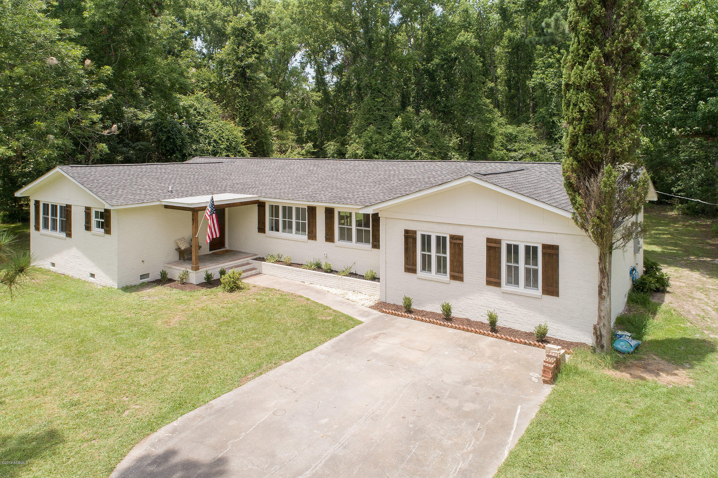 Photo of 167 Little Capers Road, Beaufort, SC 29907