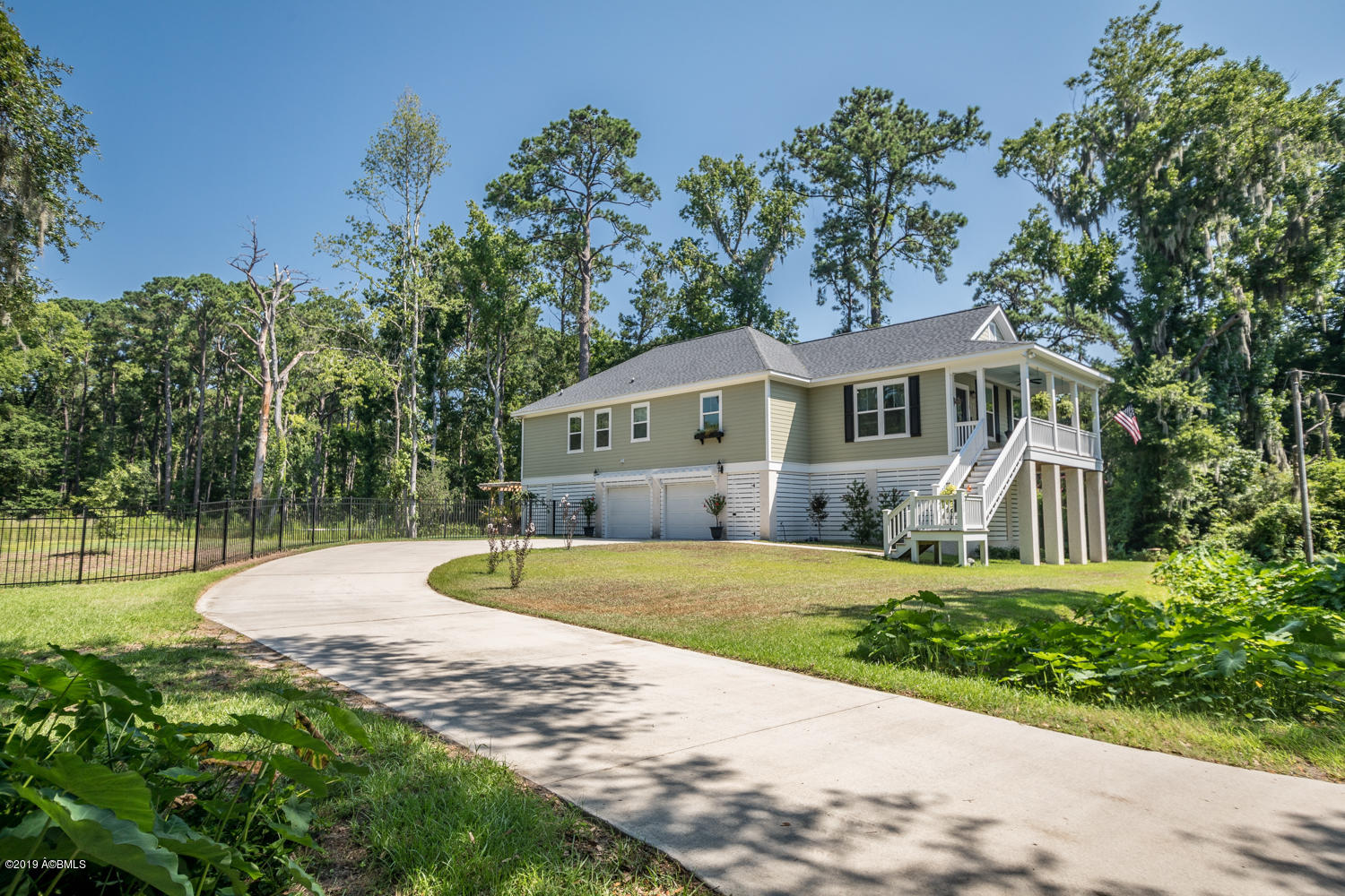Photo of 3013 Walnut Street, Beaufort, SC 29906