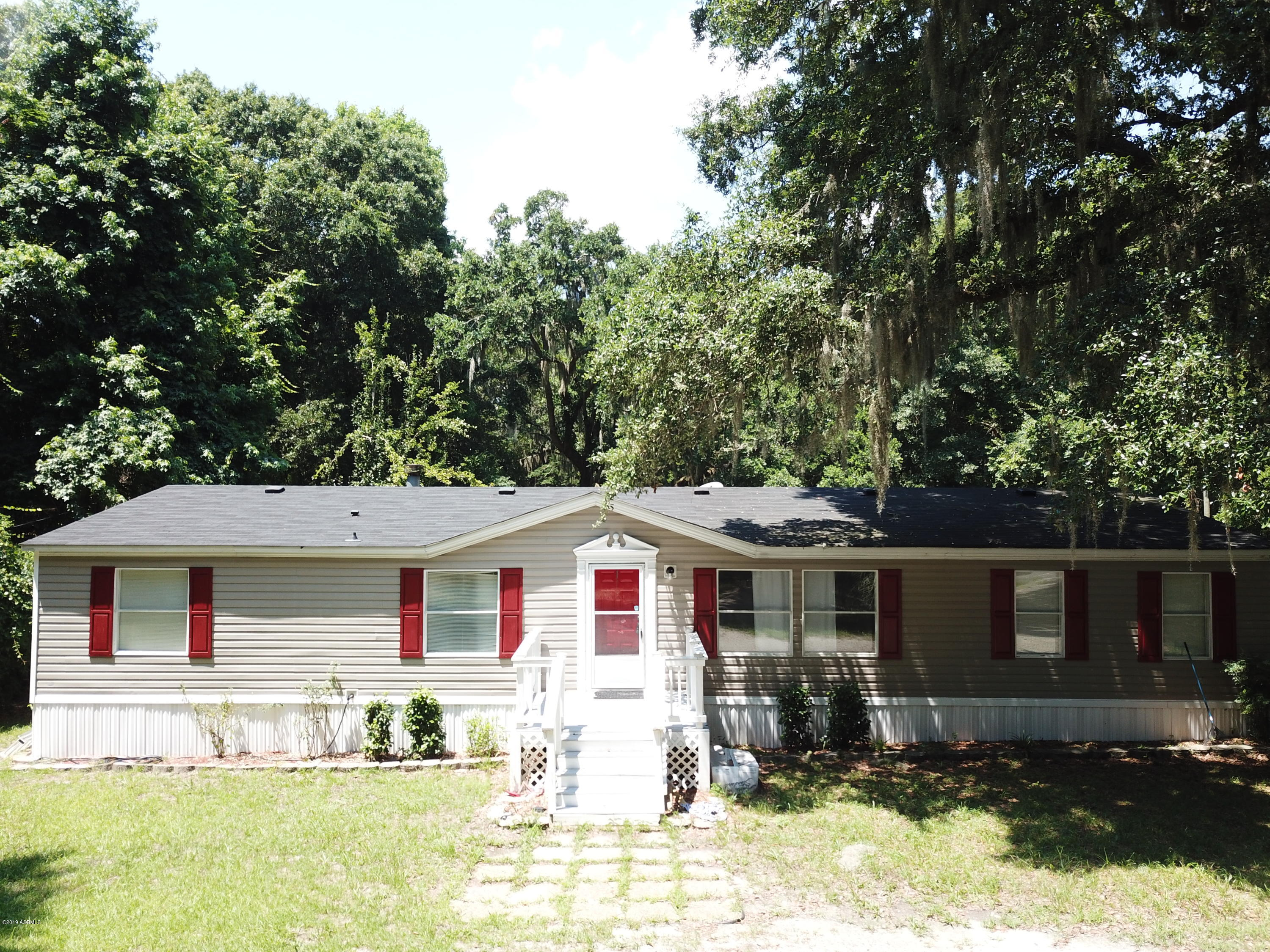 Photo of 120 Grober Hill Road, Beaufort, SC 29906
