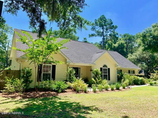 Photo of 40 Francis Marion Circle, Beaufort, SC 29907