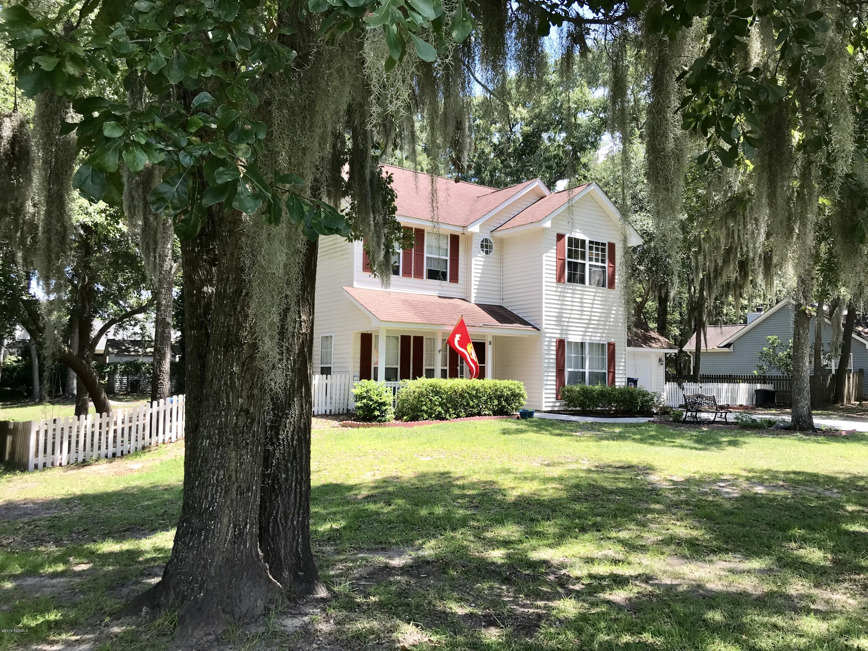 Photo of 8 Purrysburg Drive, Lady's Island, SC 29907