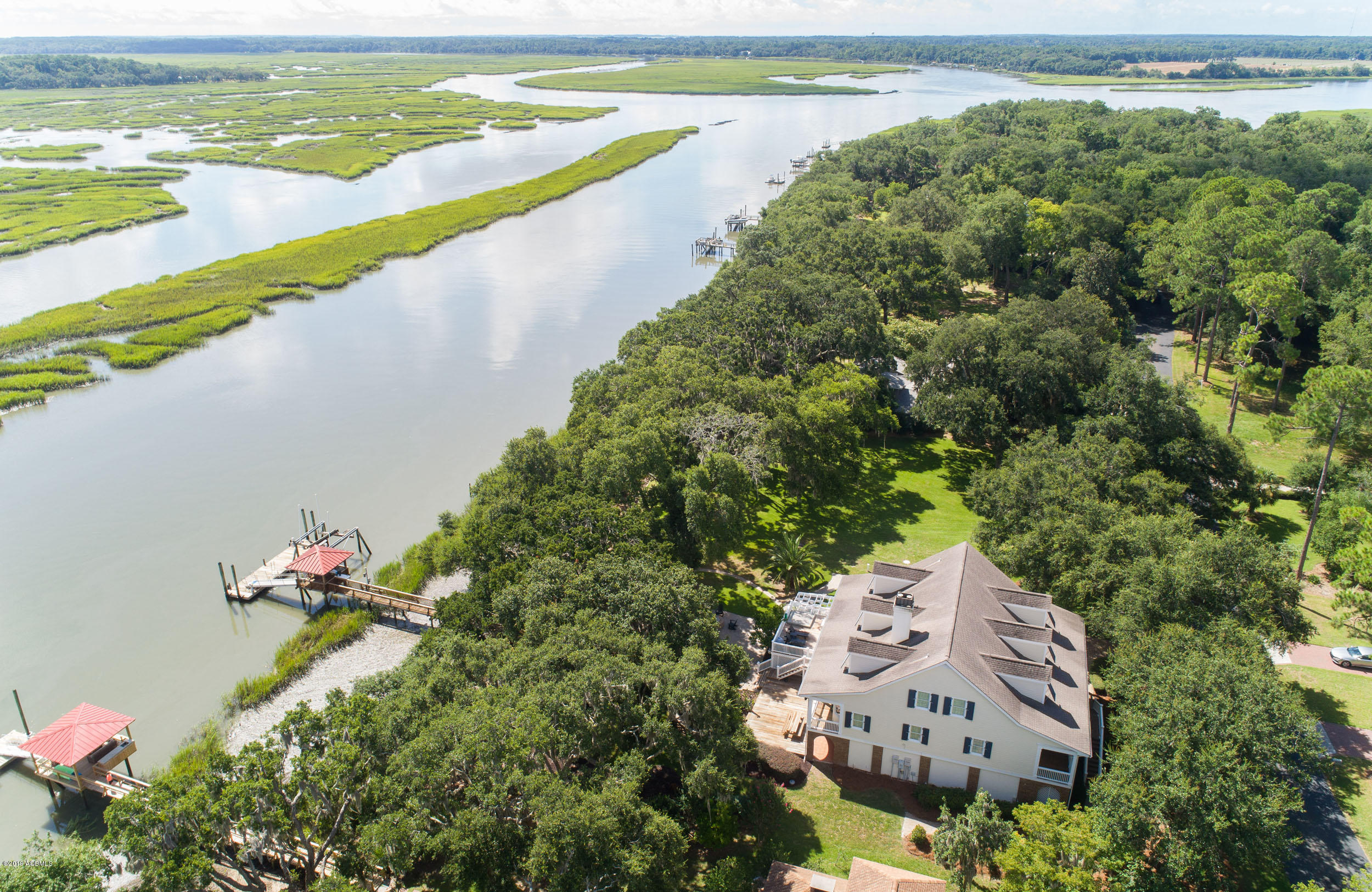 Photo of 210 Distant Island Drive, Beaufort, SC 29907