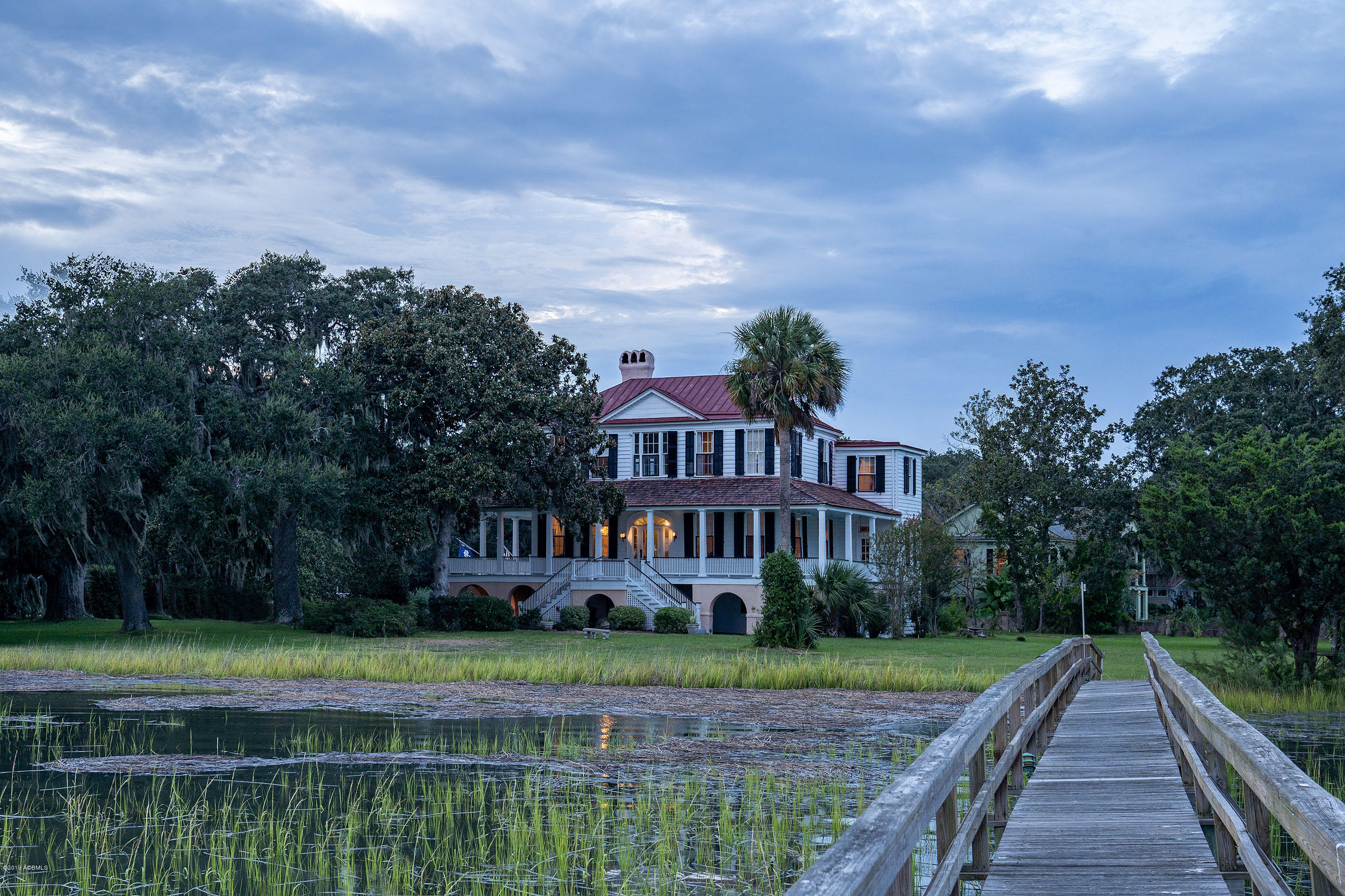 Photo of 501 Pinckney Street, Beaufort, SC 29902