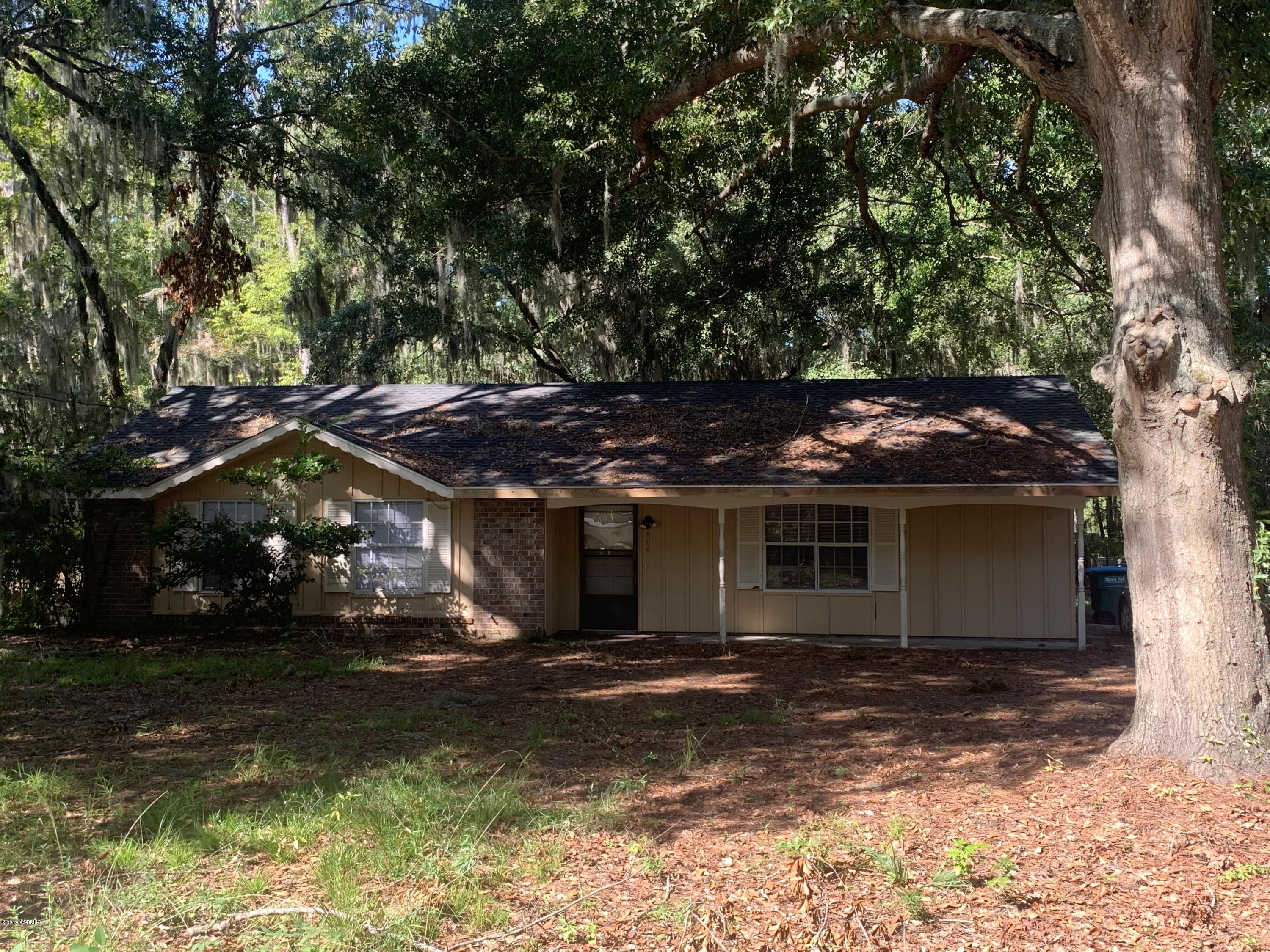 Photo of 806 Center Drive, Beaufort, SC 29902