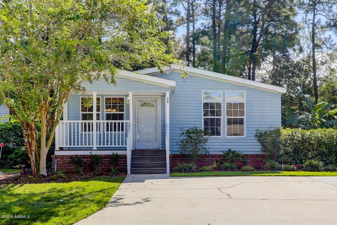 Photo of 10 Pine Forest Drive, Bluffton, SC 29910