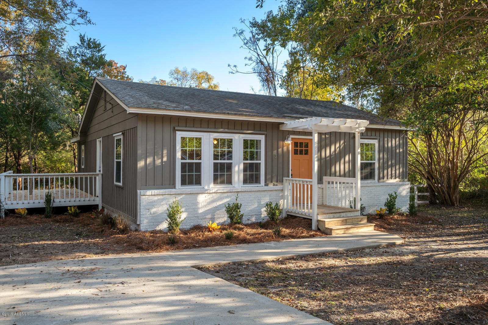 Photo of 3 Gay Drive, Beaufort, SC 29907