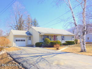 76 Luce Rd, Williamstown, MA 01267
