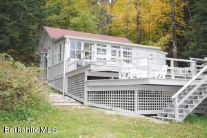 22 Mahkeenac, Stockbridge, MA 01262