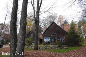 7 Lake View Rd, Great Barrington, MA 01230