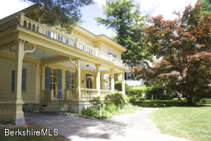 39 Main St, Stockbridge, MA 01262
