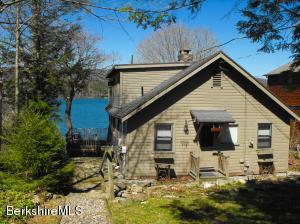 20 Mahkeenac Shores, Stockbridge, MA 01262