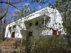 14 Oxbow Rd, Egremont, MA 01230