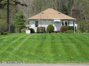 1195 Green River Rd, Williamstown, MA 01267