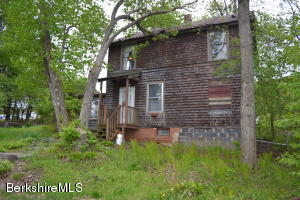 45 Pine, Lee, MA 01238