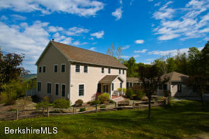 4 Cranberry Cir, Hancock, MA 01237